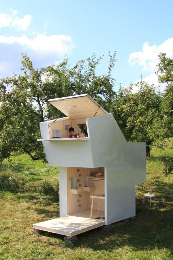 tiny minimal house for self discovery (1)