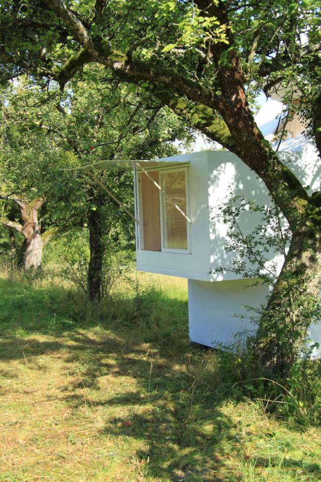 tiny minimal house for self discovery (3)