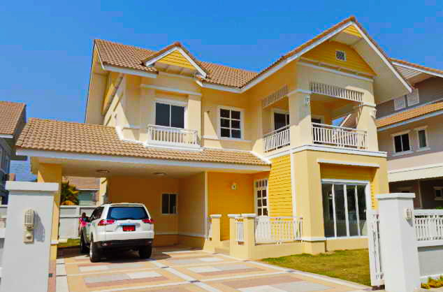 yellow 2 storey contemporary house (2)_resize