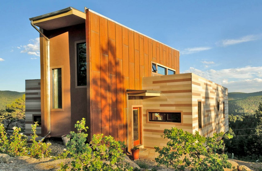 Shipping-Container-House-01-850x555