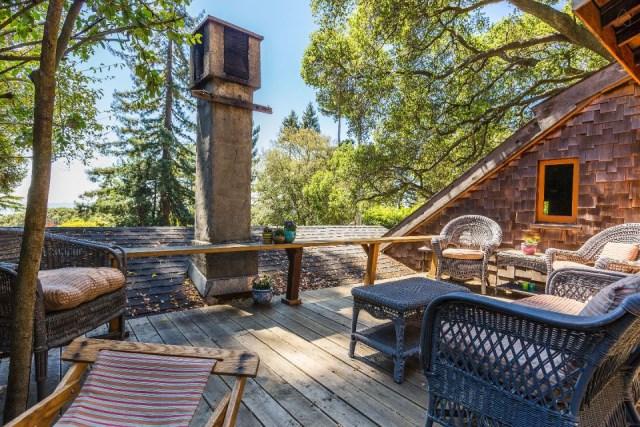 bernard-maybeck-the-cubby-bedroom-deck1-via-smallhousebliss