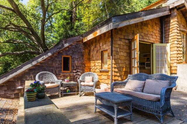 bernard-maybeck-the-cubby-bedroom-deck2-via-smallhousebliss