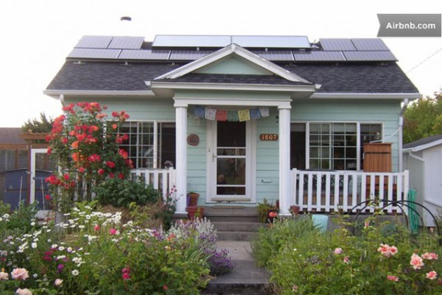 tiny-solar-cottage-600x400