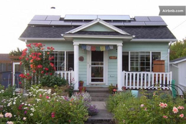 tiny-solar-cottage-600x400