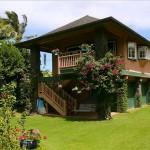 บ้านสองชั้นสไตล์ธรรมชาติ ก่อสร้างด้วยวัสดุไม้ ดีไซน์โดนใจคนไทย