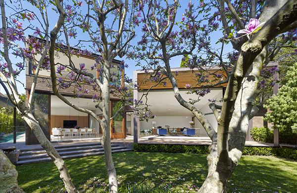 Woollahra-Residence-Tzannes-Associates-01-1-Kidesign-600x391