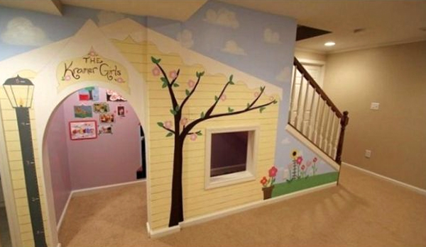 beautiful-playhouses-under-stairs-design