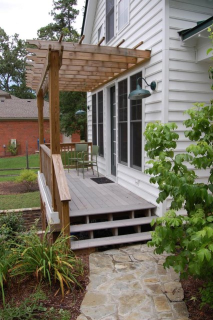gmfplus-katrina-cottage-exterior4-via-smallhousebliss