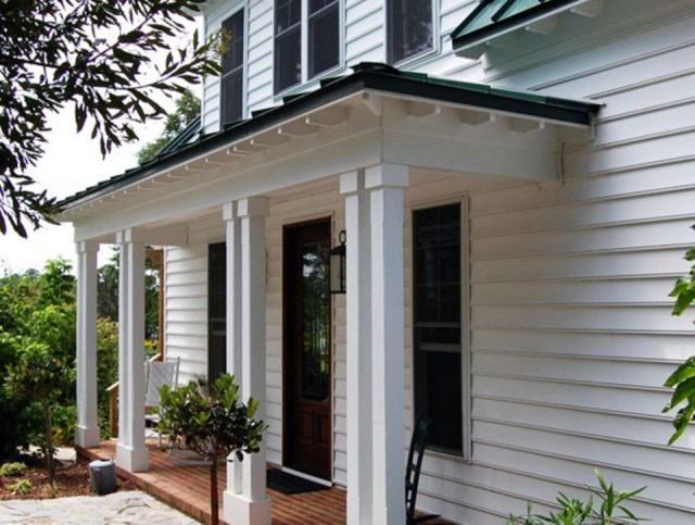 gmfplus-katrina-cottage-exterior7-via-smallhousebliss