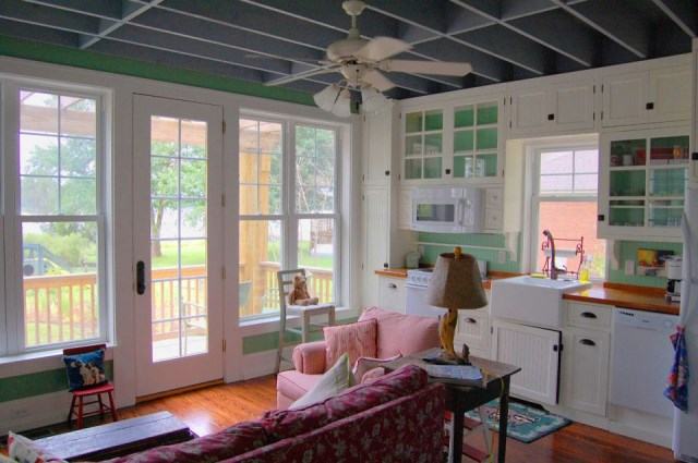 gmfplus-katrina-cottage-ldk2-via-smallhousebliss