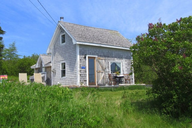 grand-manan-cottage-exterior0-via-smallhousebliss