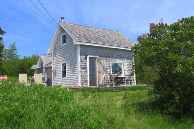 grand-manan-cottage-exterior0-via-smallhousebliss