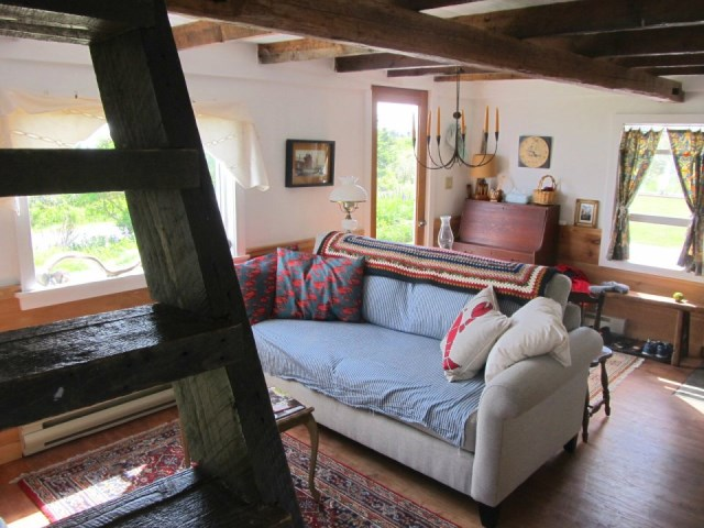 grand-manan-cottage-ldk1-via-smallhousebliss