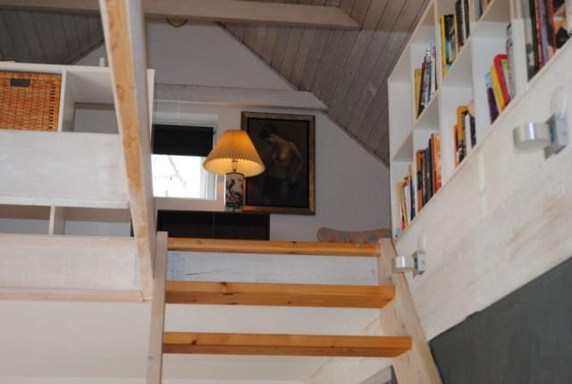 hellerup-cottage-loft1-via-smallhousebliss