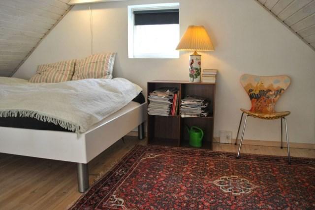 hellerup-cottage-loft2-via-smallhousebliss