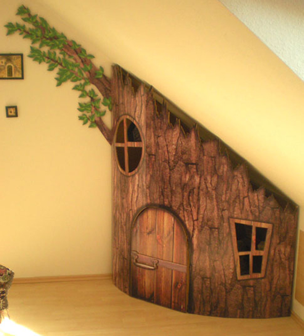 kids-tree-playhouses-under-the-stairs
