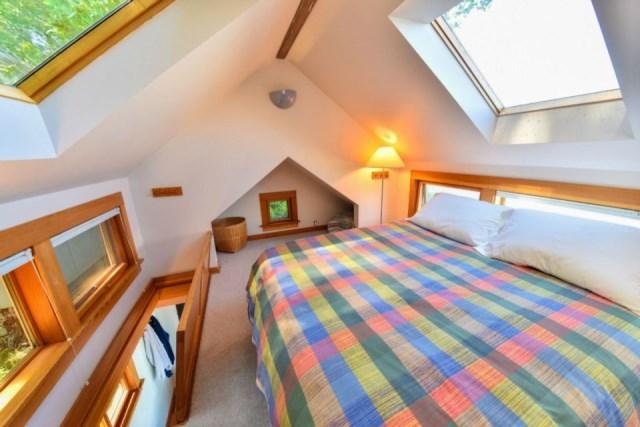 lummi-island-cottage-bedroom1
