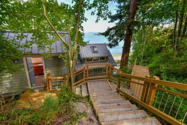 lummi-island-cottage-exterior1