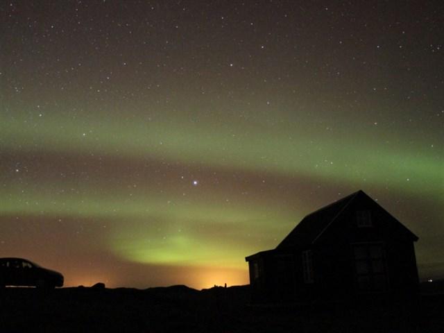 maja-siska-nordurnes-aurora2-via-smallhousebliss