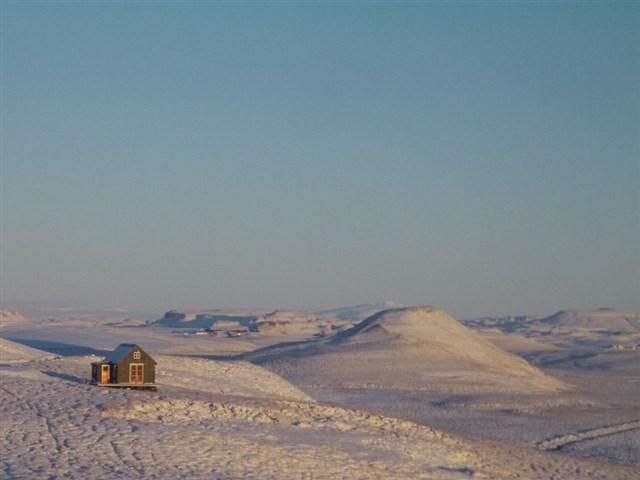 maja-siska-nordurnes-exterior2-via-smallhousebliss
