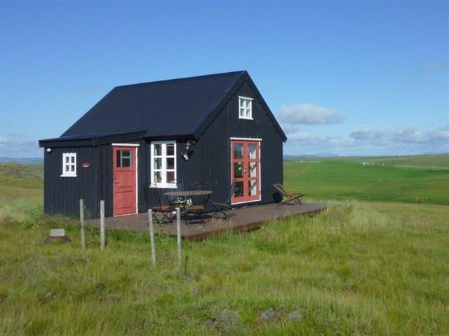 maja-siska-nordurnes-exterior8-via-smallhousebliss