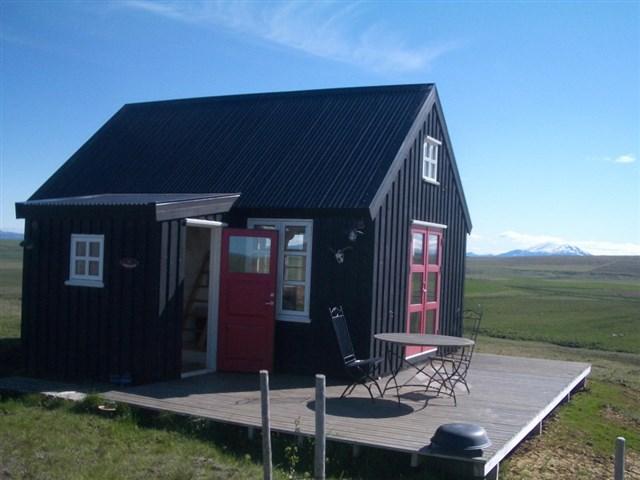 maja-siska-nordurnes-exterior9-via-smallhousebliss