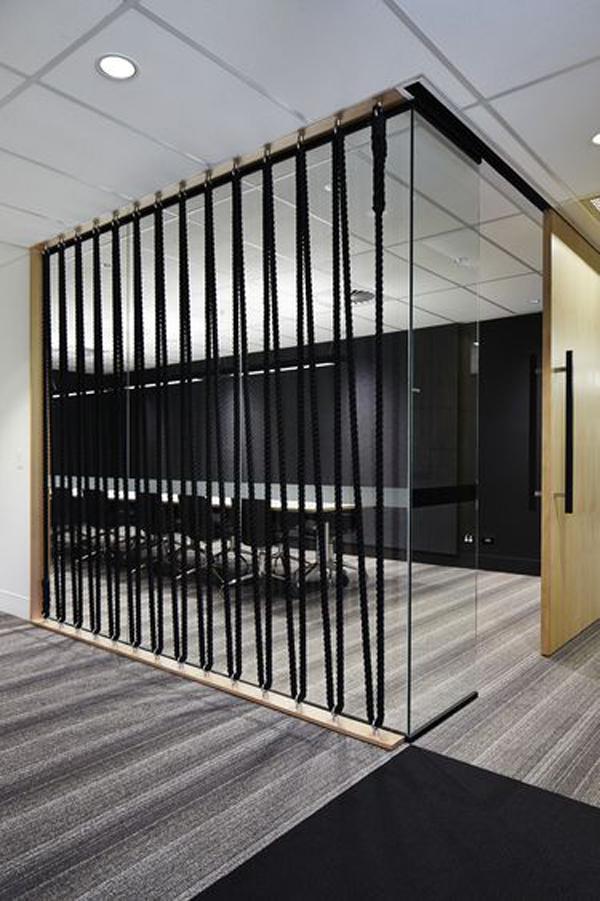 modern-black-rope-wall-design