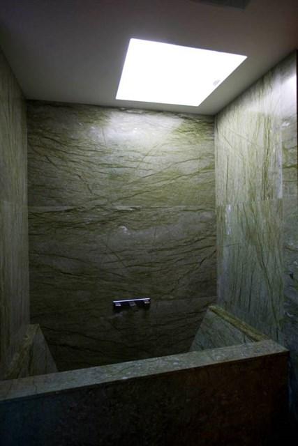 osullivan-family-home-bathroom-via-smallhousebliss
