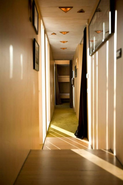 osullivan-family-home-hallway1-via-smallhousebliss