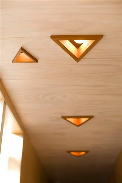 osullivan-family-home-hallway2-via-smallhousebliss