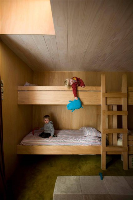 osullivan-family-home-kids-bedroom-via-smallhousebliss
