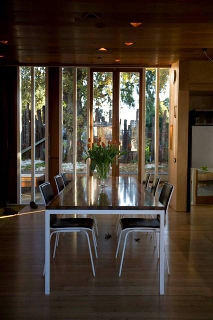osullivan-family-home-ldk4-via-smallhousebliss