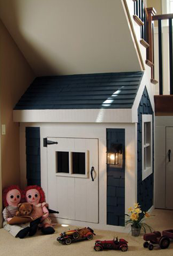small-kids-playhouse-under-stair-ideas