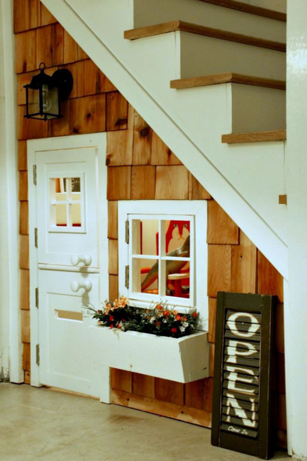 under-stairs-kids-clubhouses