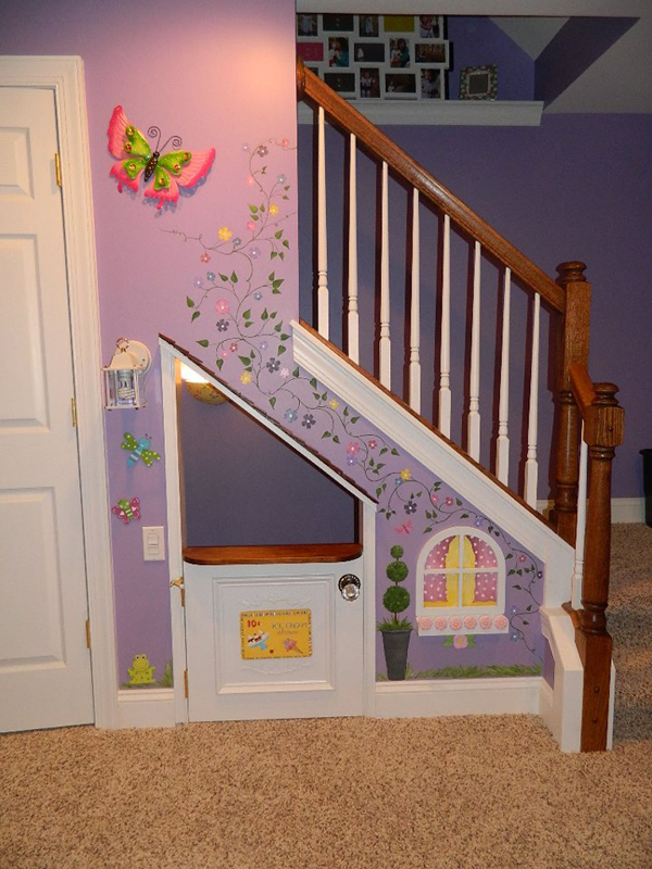 under-stairs-kids-playhouse-murals