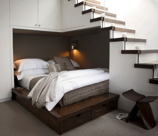 1-Understair-double-bed-600x519