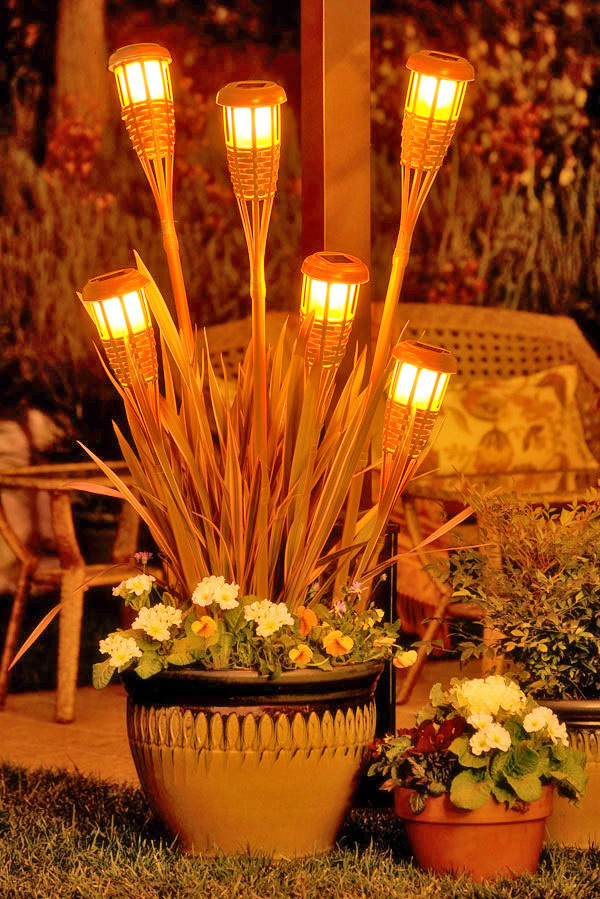 17-outdoor-lighting-ideas-for-romantic-garden (12)