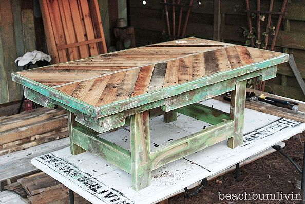 20-genius-diy-pallet-projects (2)