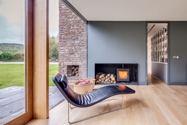 9._The_Nook_-_Fireplace