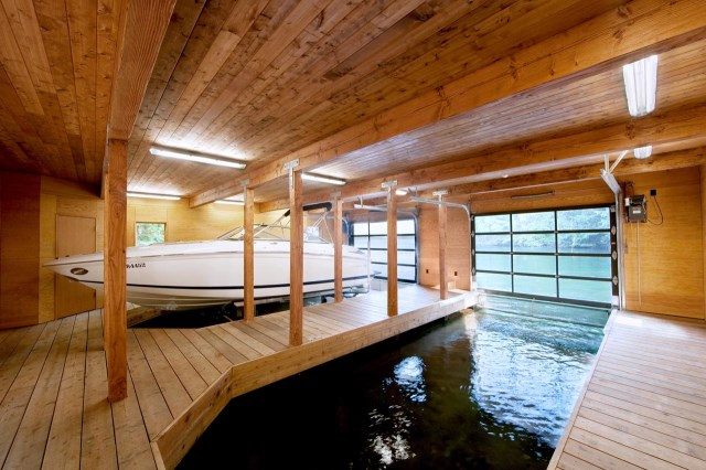 Boat-Electric-Doors-Boathouse-Muskoka-Lakes-Ontario