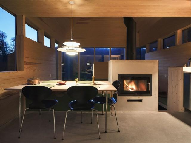 Cabin-Laksvatn-Hamran-Johansen-Arkitekter-Norway-Dining-Area-Humble-Homes
