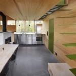 บ้านไม้สีเข้ม ความร่วมสมัยของรูปทรงและวัสดุ ตกแต่งภายในสุดเนียบ