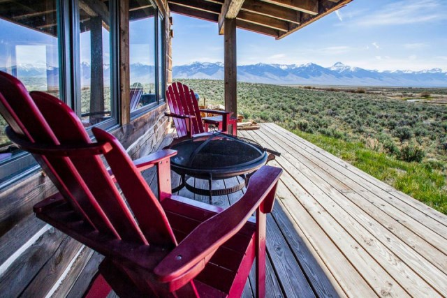 Clark-Stevens-Little-Lost-Cabin-Summit-Spring-Ranch-Deck-Humble-Homes