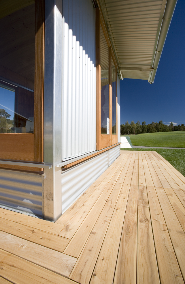 Ecoshelta-Stephen-Sainsbury-Australia-Exterior-Deck-Humble-Homes