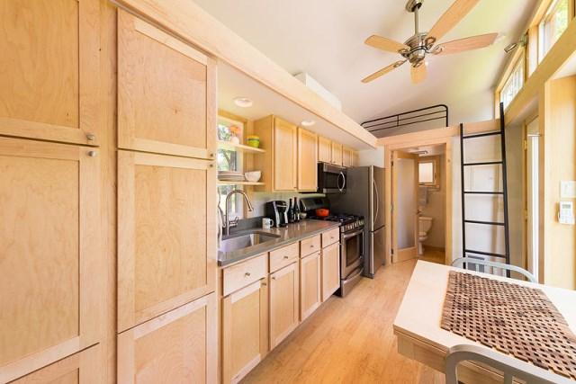 Escape-Traveler-Tiny-House-on-Wheels-Kelly-Davis-Dan-George-Dobrowolski-Kitchen-Humble-Homes