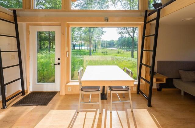 Escape-Traveler-Tiny-House-on-Wheels-Kelly-Davis-Dan-George-Dobrowolski-Living-Area-Humble-Homes