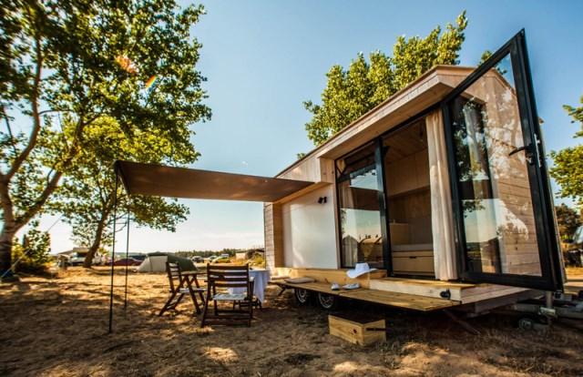 Hristina-Hristova-Tiny-House-Koleliba-Bulgaria-Exterior-Humble-Homes