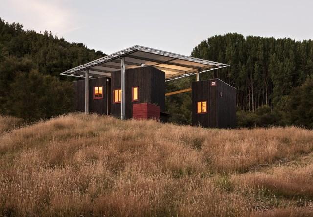 Longbush-Ecosanctuary-Welcome-Shelter-Sarosh-Mulla-Design-New-Zealand-Exterior-Humble-Homes