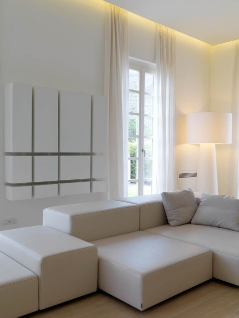 Minimalist-Interior-Tuscany-Italy-Art-Sofa-Corner-Lighting