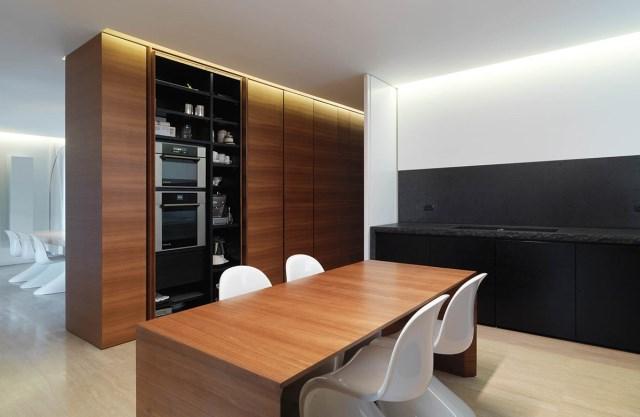 Minimalist-Interior-Tuscany-Italy-Kitchen-Cupboards
